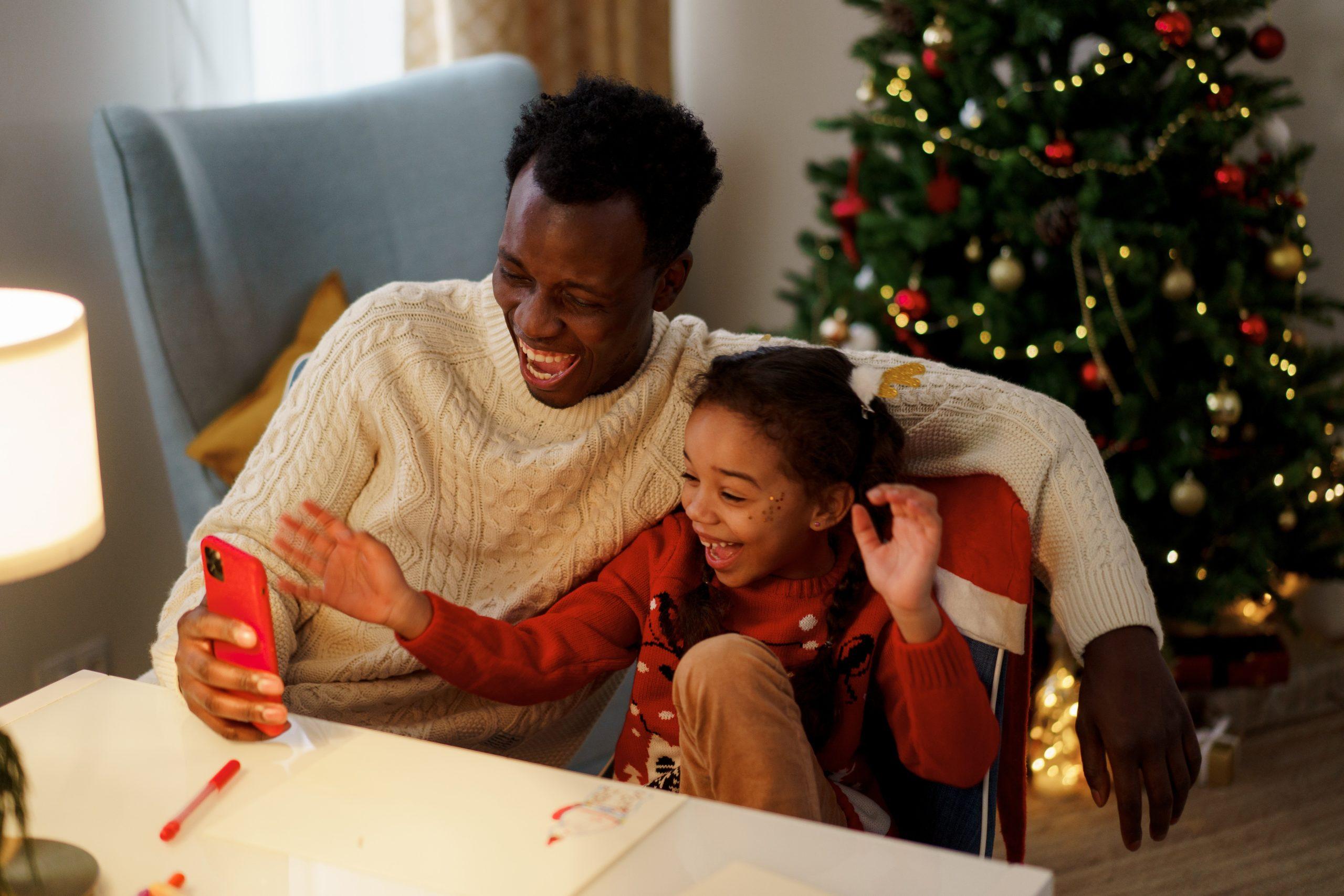 christmas family video chatting